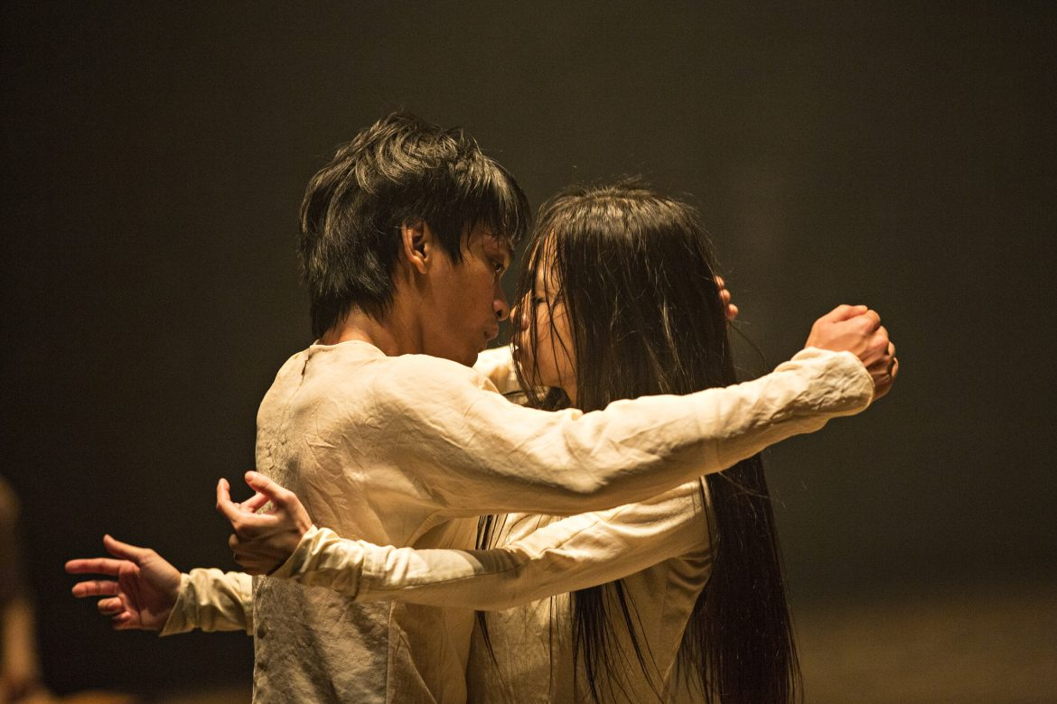 Akram Khan Company presents Until the Lions inspired by the female figures from the adaptation of poet Karthika Naïr's book Until the Lions: Echoes from the Mahabharata. With da:ns festival 9 & 10 October at Esplanade - Theatres on the Bay.
